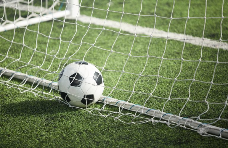 Bramki do gry w piłkę nożną – na co zwrócić uwagę przy zakupie?